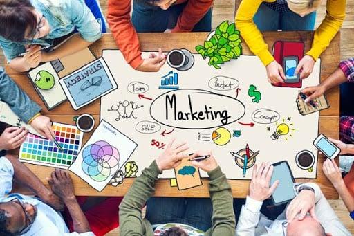 construir un equipo de marketing